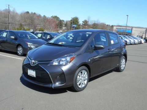 New Toyota Yaris 5 DR LE