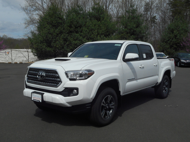new 2017 toyota tacoma trd sport double cab 4x4 v6 short bed automatic 4d double cab in. Black Bedroom Furniture Sets. Home Design Ideas