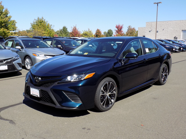 new 2018 toyota camry se 4d sedan in warrenton w180065 warrenton toyota. Black Bedroom Furniture Sets. Home Design Ideas