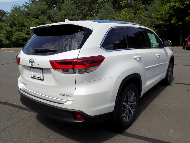 new 2017 toyota highlander xle awd v6 4d sport utility in warrenton w170780 warrenton toyota. Black Bedroom Furniture Sets. Home Design Ideas