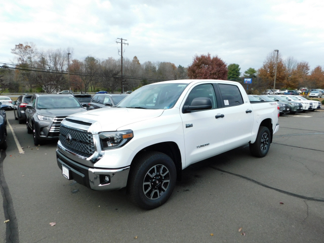 New 2020 Toyota Tundra SR5 4x4 Crew Max 5.7L V8 Short Bed