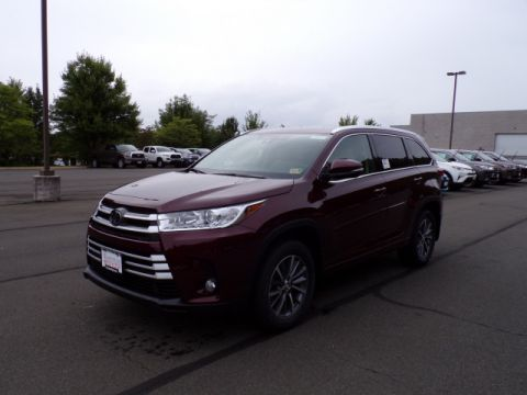 New 2018 Toyota Highlander XLE AWD V6