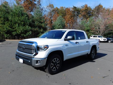 New 2018 Toyota Tundra SR5 4x4 Crew Max 5.7L V8 Short Bed